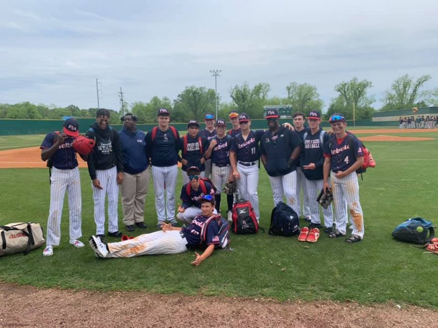 The+Rebel+baseball+team+after+Saturday%27s+season-ending+loss.+